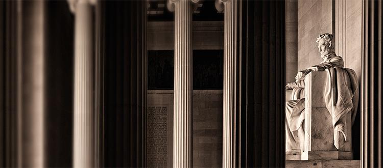 Side-profile-of-lincoln-memorial