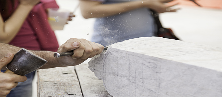 Workers-carving-marble