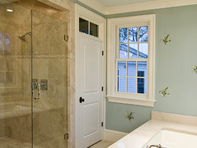limestone-accents-in-bathroom