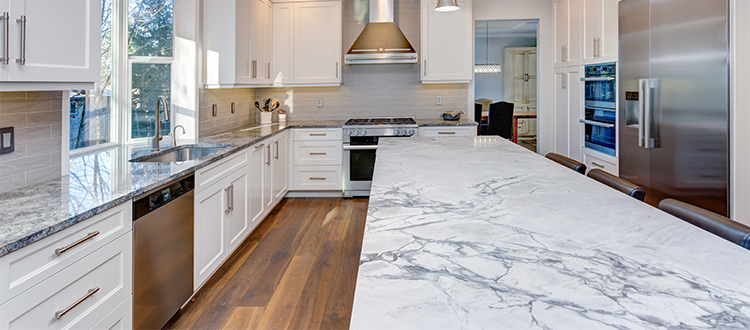 white-marble-countertops-in-kitchen